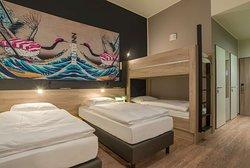 Quadruple Room I Bento Inn Messe Munich