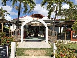 Restaurant avec accès direct sur la plage
