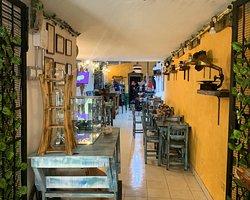 Un espacio único en el poblado que simula una finca cafetera tradicional.