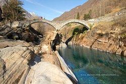 il fiume e il ponte