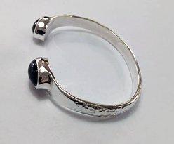 Full Day Gemstone Class - bangle with black onyx gems