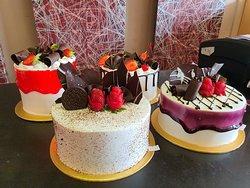 Birthday Cake Cirebon, Custom Cake Cirebon, Kue Ulang Tahun Cirebon, Cake Ulang Tahun Cirebon.