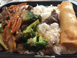 Spring roll, beef & broccoli - Yum!