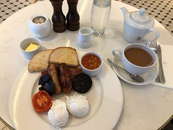 Full English as it should be! A Fried slice would have been nice.