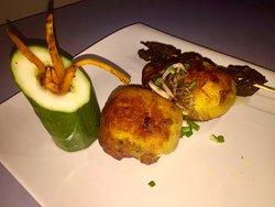 potato  in batter with Skewed beef... 😋