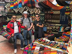 Mercado Artesanal Otavalo