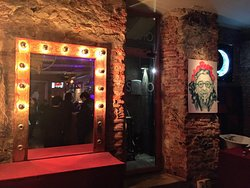 Soho Bar-Gallery
