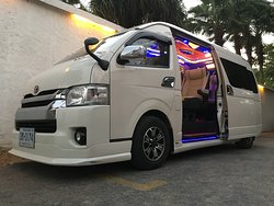 Somchai Taxi Van Bangkok Tours