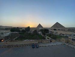 Fantastic Panorama Pyramids Inn