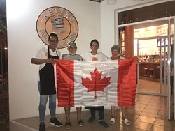 We say goodbye at the door to our Canadian friends, we hope to see you soon!!!