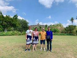 Wahyu Travel Indonesia: Guide Francophone et Chauffeur à Yogyakarta Java Indonésie