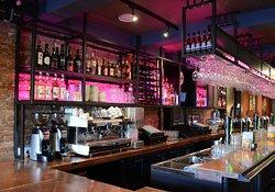 Berries Bar & Kitchen