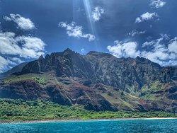 Iconic Mountainous Shoreline