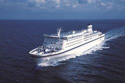 「いしかり」「きそ」「きたかみ」の大型フェリー3隻で、名古屋-仙台-北海道(苫小牧)を結びます。