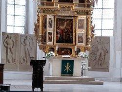 Detalle cercano del altar.