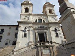 圣三一教堂