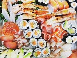misto crudo e sushi