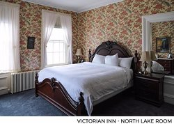 North Lake is the original bedroom of this grand Victorian home, the place where John and Molly Jones as well as Maude and Merritt Agard slept. For many, North Lake is the most romantic room at the Inn. The room is decorated in gorgeous antiques including marble topped tables and a stunning king size plush pillow top canopy bed. Who needs a television when you have beautiful lake views and your loved one by your side? North Lake also offers an newly renovated ensuite marble bathroom .