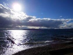Вид с берега на озеро Байкал