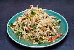 1.10 Салат из ростков сои с жареной свиной соломкой