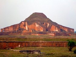 One of the largest Buddhist temple ruins in the Indian subcontinent/World Heritage site    2013