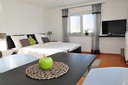 Doppelzimmer 1 mit Einzelbetten zum Zusammenschieben