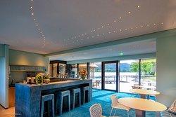 Strandcafé am Weissensee im See-Spa mit Außenterrasse