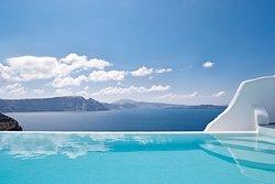 Infinity Pool Suite