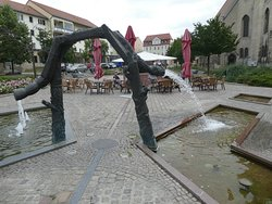 Zwei-Welten-Brunnen