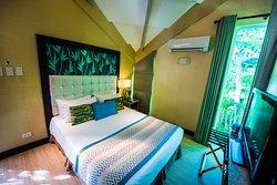 Estancia - Queen bed room / loft-style
