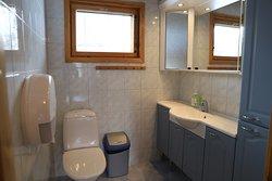 10 person cottage toilet