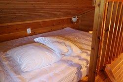 10 person cottage loft bedroom (1-2 person)