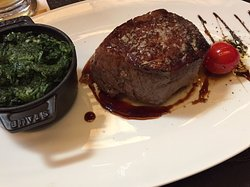 Sehr gute Steaks und Beilagen
