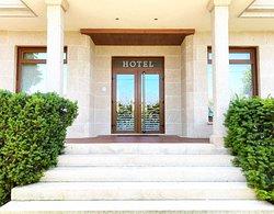 Entrada Hotel EntreRobles
