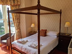 Four Poster ensuite room