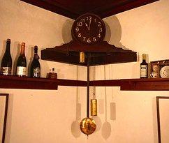 Die schöne alte Uhr
