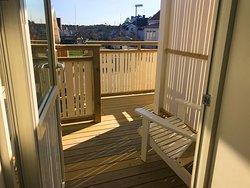 Summer terrace from suite Skuteviken https://www.villalonndal.se/varingra-rum--sviter.html