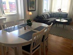 Living and dining area. Suite Utkiken https://www.villalonndal.se/varingra-rum--sviter.html