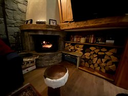 Chalet Patineur lounge with TV, log fire and mountain views!