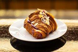 Mogyorókrémes croissant az Átrium Bisztróban