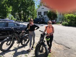 Fat tire rental bikes.  Great 25 mile outing with a picnic by the beautiful Housatonic River