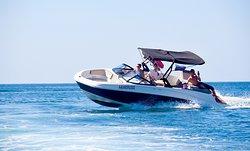 Аренда катера для прогулок и фотоэкскурсий по Балаклаве. Берём на борт до 6 человек.