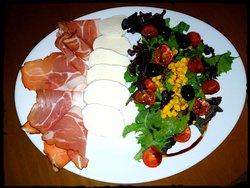 Speck, mozzarella e salada mista...mix de verão!
