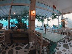 George fish restaurant, sammer loading 🇬🇷⛵