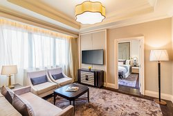 Caravelle Saigon - Executive Suite 03