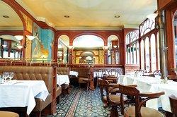 🤗 RÉOUVERTURE COMPLÈTE 🤗 Qu'il pleuve ou qu'il vente, vous pourrez désormais savourer nos plats fait maison, avec des produits saisonniers et bios, en terrasse ou en salle!  ▪️  Toutes les dispositions sanitaires ont été mises en place pour vous accueillir dans les meilleures conditions.  ▪️  Crédit : MOHCA  ▪️ ▪️  ▪️  #lunch #instagood #photooftheday #beautiful #picoftheday #food #restaurant #chef #dejeuner #paris #generallafayette #yummy #foodporn #foodie #foodphotography #instafood