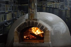 The wood oven at Chirripoberg
