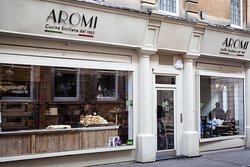 Aromi Benet Street