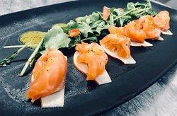 Gravelax de saumon à la poire