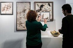 La Galerie Collection organise à la demande des rendez-vous sur-mesure et privés vous dévoiler les pièces d'exception des  artistes de la matière présentés, mais également les œuvres de son fonds privé.